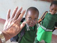 南部アフリカ、ジンバブエ現地学校訪問