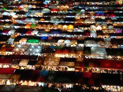 バンコク インスタスポット 鉄道夜市ナイトマーケット・ラチャダーナイトマーケット