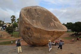 南インド癒しの旅(2)・・マハバリープラムの海岸寺院、ファイブ・ラダ、アルシュナの苦行、クシュナのバターボールを巡ります。