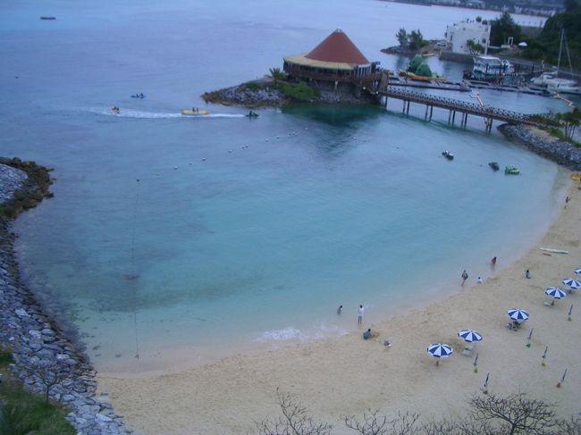 毎年、春に沖縄に行くようになってきました。嬉しい<br /><br />よく皆さんが行っているホテルが気になり申し込みました。<br />マリオットホテルとルネッサンスリゾートの2つです。<br />観光というよりゆっくりしたと思います。<br /><br />