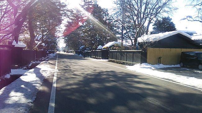 ご覧戴きましてありがとうございます。<br /> 2019年1月12日から2019年1月14日までの3日間、「三連休東日本&函館パス」を利用して冬の秋田の旅に行ってきました。<br /> 5部構成での公開を予定しており、そのうち前回のパート1では1日目の行程の全て、具体的には秋田新幹線「こまち」について、角館で頂いたランチの様子、ある路線バスを利用して田沢湖を散策した時の様子等を、パート2では2日目の行程のうち主に午前中の行程、具体的には五能線を経由して秋田と青森を結ぶ快速列車「リゾートしらかみ1号」に乗車した時の様子、秋田県北部に位置する八峰町というところにある岩館海岸を散策した時の様子を、パート3では2日目の行程のうち残りの行程、具体的には岩館から秋田まで「リゾートしらかみ2号」で移動した時の様子、秋田市内でのランチの様子等についてご覧戴きました。<br /> 今回のパート4では3日目の行程の一部、具体的には角館武家屋敷通りを散策した時の様子、秋田内陸縦貫鉄道を利用した時の様子、森吉山の樹氷を見るために利用した阿仁ゴンドラに乗車した時の様子等についてご覧戴きます。<br /><br />