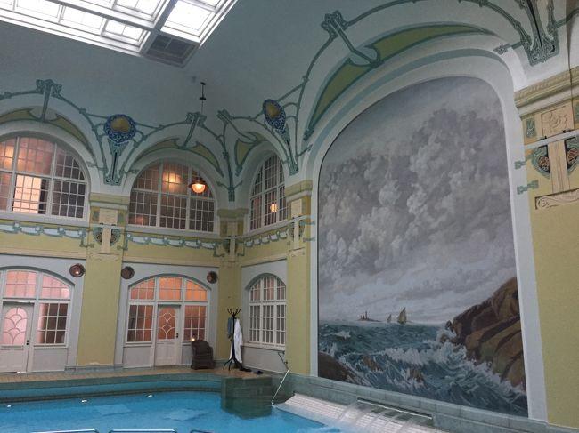 ラトビアの首都、リガのユーゲントシュティール建築を観光してから、<br />すっかりアール・ヌーヴォーに触発された私。<br />ヨーテボーリでもアールヌーヴォー建築が見られないものかと調べてみたところ、<br />美しいアールヌーヴォー調の内装が有名なHagabadetでスパが楽しめるとの事。<br />その後は、市内に点々とある建築物を探しながらた~くさん歩いた一日。<br />