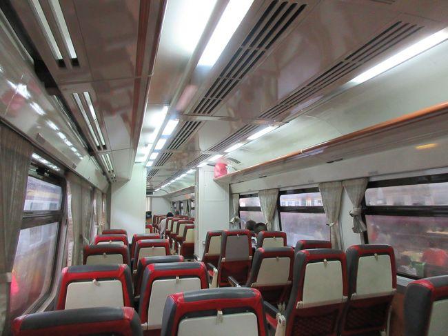 アユタヤに、鉄道・レンタサイクル・ミニバスという自力コースで訪問しました。列車内では、駅弁を初めて食べました。