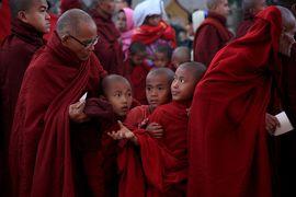 ミャンマー 黄金の三角形の旅 7 バガン最大のお祭り、アーナンダ寺院祭り、そしてひたすらパゴダ巡り