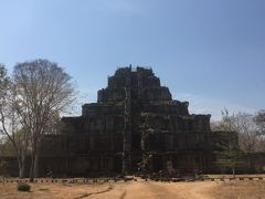 天空の城ラピュタのモデルである巨大なベンメリアとコーケー遺跡群に終日ガイド