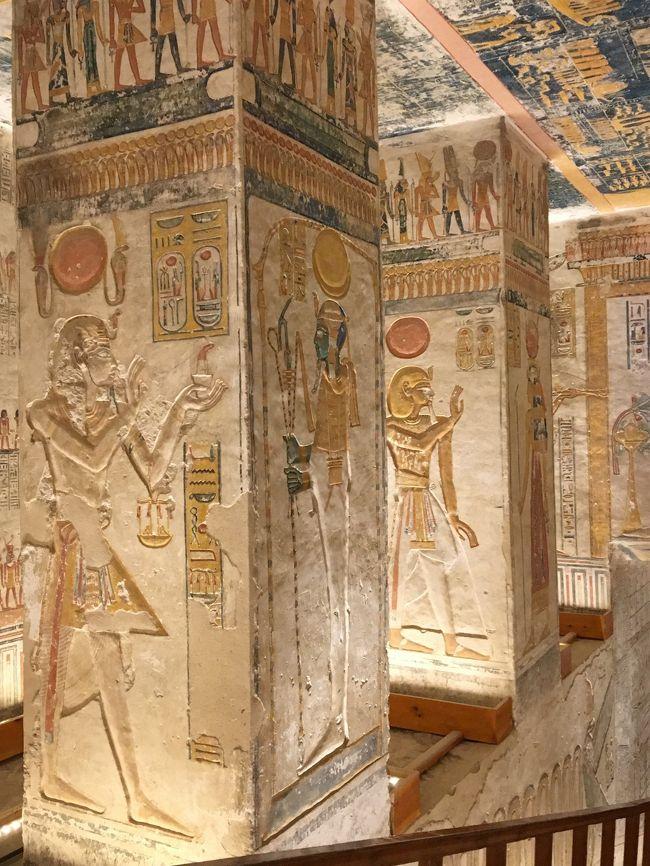 ルクソールでは、1Dayツアーに参加して、メムノン巨像~ハトシェプスト葬祭殿~王家の谷~ナイル川沿いでランチ~カルナック神殿~ルクソール神殿の順に1日観光。