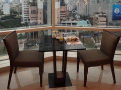 グランデセンターポイント・ターミナル21に泊まるバンコク2013-<後編>ホテルのプールとサマーセール参戦の3日目&静かな朝食にウットリした最終日