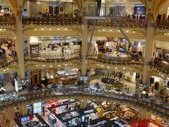 パリを歩く(2.2) ギャラリー・ラファイエットでお買い物。