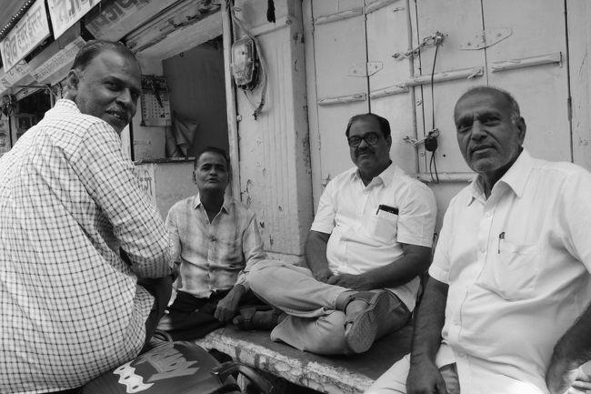 表情豊かな人々と出会い行き交う インド旅(*^▽^*) (2)インドのブルーシティと呼ばれるジョードプルは、たいして青くなかったです(苦笑)