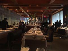ニューヨーク・ミッドタウン発の有名フランス料理店「ル ベルナルディン(LE BERNARDIN)」~ニューヨークのグルメ史上に残る超優良レストラン。ミシュランガイドニューヨークの創刊以来、毎年3つ星を獲得し、辛口のグルメを唸らせる名店~