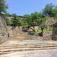 鶴山城(かくさんじょう)の別名を持つ津山城をぶらぶら/ここは広島城と姫路城とともに日本三大平山城のひとつ