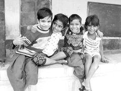 表情豊かな人々と出会い行き交う インド旅(*^▽^*) (5)美建築と子ども達の明るい笑顔がいっぱいのジャイサルメール(^^♪