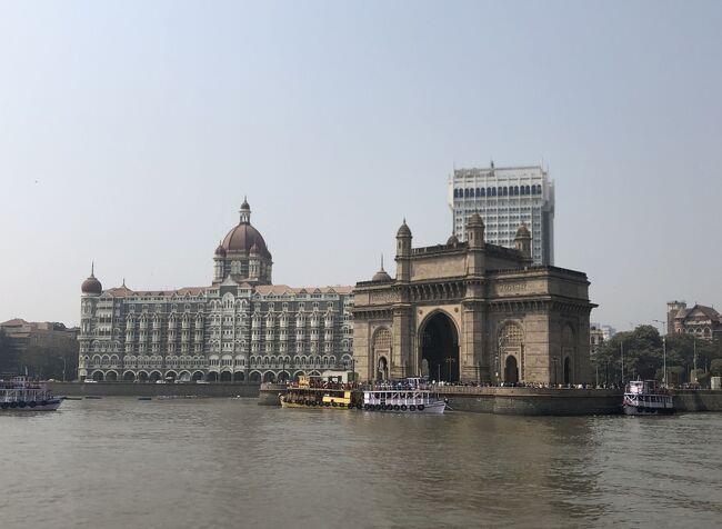 インドを旅行しました。前々から行ってみたかったアジャンタやエローラの石窟寺院を観光し、ムンバイの市内も観光しました。<br />ムンバイ最終日です。インドには二つのインド門があります。ムンバイにあるインド門はGateway of India、デリーのインド門はIndia Gate。ムンバイのインド門は植民地時代を語り継ぐ「遺産」として残っていますが、デリーのインド門は第一次世界大戦などで戦士したインド人兵士の慰霊碑として造られたものです。<br />インド門の脇にある桟橋からエレファンタ島に渡りました。かつてポルトガルがムンバイを植民地としていた時代、島に大きな象の石像があることからエレファンタ島と名付けたと言われています。ポルトガルの兵士はその象を銃の標的にして徹底的に破壊したようです。悲しい歴史の詰まった観光地です。本編は、5日目と6日目です。<br />1日目:成田空港からムンバイのチャトラパティ・シヴァージー空港へ。<br />2日目:ムンバイ市内観光、ガンジー博物館、チャトラパティ・シヴァージー・ターミナス。国内線で空路アウランガーバードへ移動。<br />3日目:アジャンタ石窟寺院観光。<br />4日目:エローラ石窟寺院観光、アウランガーバード市内観光。空路ムンバイへ移動。<br />5日目:ムンバイ市内観光、エレファンタ島の石窟寺院観光。チャトラパティ・シヴァージー空港から成田空港へ、機内泊。<br />6日目:成田空港着、帰宅。<br />