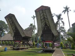 4歳娘を連れてジャカルタ・クチン・シンガポール7日間の旅2-インドネシア各地の建築を見よう!タマンミニ後編