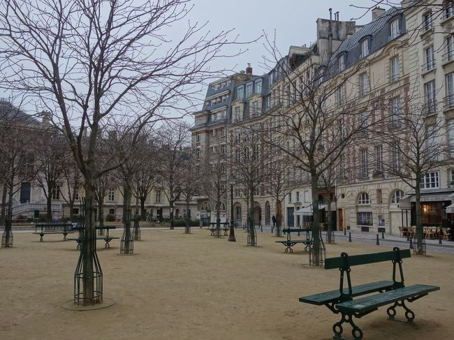 大都会パリにも静かな公園があります。ここも穴場です。