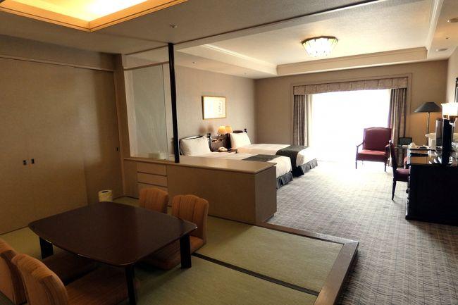 中国料理 翠陽で昼食を頂き、ラウンジ ドルチェの喫茶を楽しみフロントに行くと、ルームチェンジのお部屋の用意が整っていました。<br /><br />年越しをするお部屋も、前日と同じ1号館で、真正面に富士山が見えるお部屋です。<br />