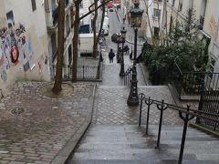パリを歩く(4.5) モンマルトルは坂の町。上ったり、下ったり。