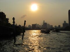 バンコク (2) チャオプラヤー川の朝日