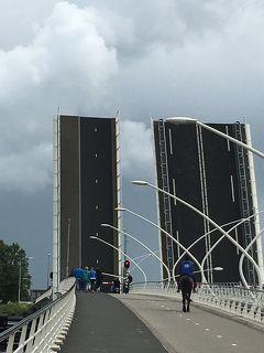 2016年 ドイツの旅(11)とオランダの旅:ケルン大聖堂、ザ-ンセ・スカンス風車村 ,アムステルダム運河クル-ズと運河沿いをぶらり街歩き