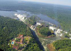 南米三大絶景ツアー8日目:イグアス・ヘリ遊覧&ブラジル側目の前のイグアス滝!