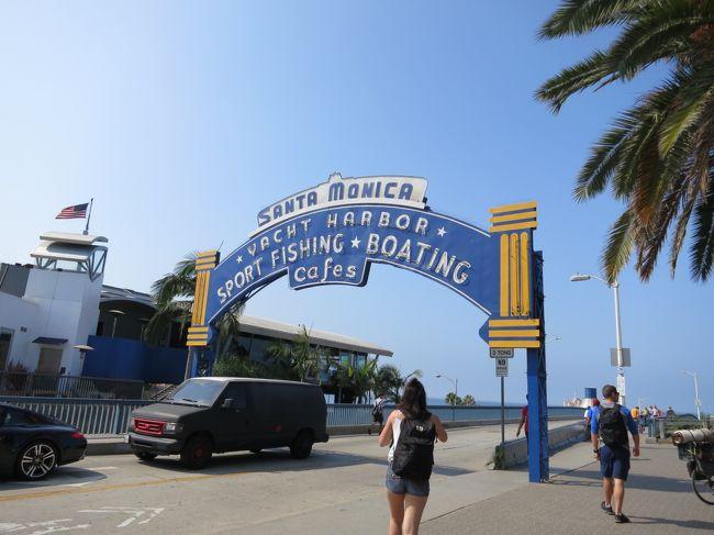 2018年8月お盆休みを使って、アナハイムディズニー&ロサンゼルス&ラスベガス&グランドサークルをまわってきました。<br />3日目はカリフォルニアアドベンチャーパークを楽しんだ後、空港近くのホテルへ移動しました。<br />4日目はロサンゼルス観光です。<br /><br />1日目 伊丹から成田経由でロサンゼルスへ<br />2日目 ディズニーランド<br />3日目 カリフォルニアアドベンチャーパーク<br />4日目 ロサンゼルス観光<br />     ラスベガスへ移動<br />5日目 グランドサークル1泊2日ツアー<br />6日目 グランドサークル1泊2日ツアー<br />7日目 ラスベガス出発<br />8日目 帰国