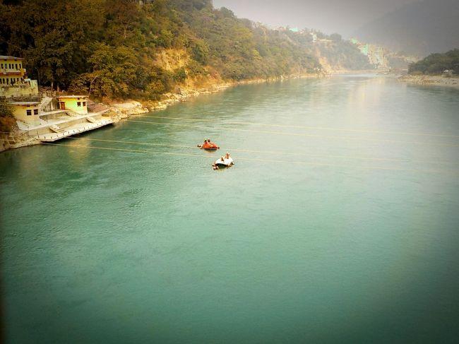 どんどん旅が長くなっていく今日このごろ。<br />相変わらず英語は出来ないけど、それももう慣れた(^^;)<br /><br />今回は東南アジア周遊(*´Д`*)<br />インド、ミャンマー、タイ、ラオス、台湾、フィリピン。<br />初訪問の国はミャンマーとラオス。<br /><br />大昔にタイに行った時はゾウ乗りに全く興味無かったのになー。<br />今回は乗りたくてたまらない。<br />インドにも、少し前まで独りで行くなんてとても考えられなかった。<br />大人になると好みは変わる。<br /><br />1日目 日本からインドのムンバイへ移動<br />https://kunkunkun.work/2017-11-9/<br /><br />2日目 インドのムンバイ観光,グルメ/市内,エレファンタ島<br />https://kunkunkun.work/2017-11-10/<br /><br />3日目 インドのムンバイ/二日酔いでダウン <br />https://kunkunkun.work/2017-11-11/<br /><br />4日目 インドのムンバイ観光/スラム街ツアー,ハッジアリー廟 <br />https://kunkunkun.work/2017-11-12/<br /><br />5日目 インドのムンバイからウダイプルへ移動,観光,グルメ <br />https://kunkunkun.work/2017-11-13/<br /><br />6日目 インドのウダイプル観光/シャグディーシュ寺院,シティパレス,バゴーレ・キ・ハヴェーリ <br />https://kunkunkun.work/2017-11-14/<br /><br />7日目 インドのウダイプルからジョードプルへ移動,観光,グルメ <br />https://kunkunkun.work/2017-11-15/<br /><br />8日目 インドのジョードプル観光/メヘラーンガル砦,ジャスワント・タダ廟 <br />https://kunkunkun.work/2017-11-16/<br /><br />9日目 インドのジョードプルからジャイプルへ移動 <br />https://kunkunkun.work/2017-11-17/<br /><br />10日目 インドのジャイプル観光,グルメ/ハルシャマーター寺院,チャンドバオリ <br />https://kunkunkun.work/2017-11-18/<br /><br />11日目 インドのジャイプル観光,グルメ/アンベール城,シティパレス <br />https://kunkunkun.work/2017-11-19/<br /><br />12日目 インドのジャイプル(ジャイプール)観光,グルメ/Albert hall museum,モンキーテンプル <br />https://kunkunkun.work/2017-11-20/<br /><br />13日目 インドのジャイプルからアーグラーへ移動,グルメ <br />https://kunkunkun.work/2017-11-21/<br /><br />14日目 インドのアーグラー観光,グルメ/タージマハル,レッドフォート,シカンドラ <br />https://kunkunkun.work/2017-11-22/<br /><br />15日目 インドのアーグラー観光/ファテーブル・シークリー,アムリトサルへ移動 <br />https://kunkunkun.work/2017-11-23/<br /><br />16日目 インドのアムリトサル観光,グルメ/ゴールデンテンプル(シク教の黄金寺院)<br />https://kunkunkun.work/2017-11-24/<br /><br />17日目 インドのアムリトサル観光,グルメ/ワガボーダー,ハリドワールへ移動 <br />https://kunkunkun.work/2017-11-25/<br /><br />18日目 インドのハリドワール観光,グルメ/ロープウェイ <br />https://kunkunkun.work/2017-11-26/<br /><br />19日目 インドのハリドワールからリシケシュへ移動,観光,グルメ <br />https://kunkunkun.work/2017-11-27/<br /><br />20日目 インドのリシケシュからハリドワール,ニューデリーへ移動 <br />https://kunkunkun.work/2017-11-28/<br /><br />21日目 