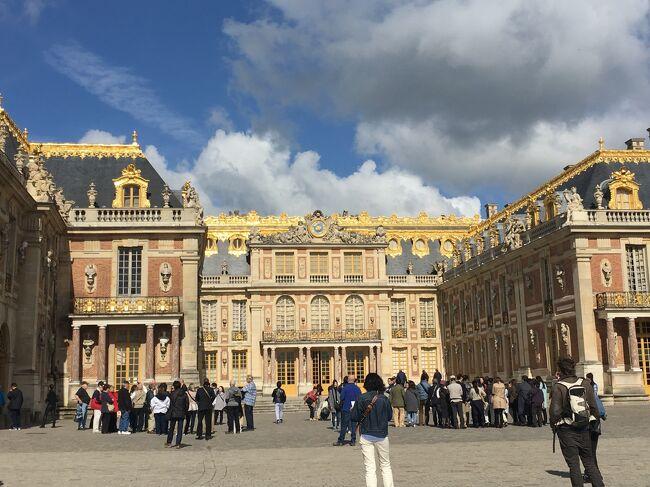 年末にふと「そうだ!海外へ行こう!」と思い立ち、昔から行きたい行きたいと夢見ていた、ロンドンとパリに、ゴールデンウィークを利用して6泊8日で行ってきました!<br /><br />初の海外ひとり旅でしたが、団体行動が苦手な私は、何の迷いもなく(軽い気持ちで)個別手配を選択。しかも、イギリスインのフランスアウトのオープンジョー。(オープンジョーって言い方はあとで知りました。なんでオープンジョーって言うんですかね?)<br /><br />ひとり旅は、全部自分で調べて手配して…の工程が大変と聞いていたのですが、私にはそれが合っていたようで、楽しくて楽しくて。<br />色々な方の旅行記を読み漁って勝手に参考にさせて頂きました。<br /><br />まさか投稿するなんて考えてもいなかったので、細かい写真は少ないのですが(汗)備忘録も兼ねて記録に残していこうと思います。