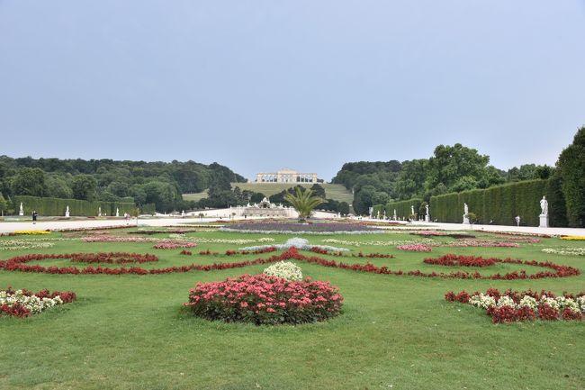 2015年 オ-ストリアの旅(6) ウィ-ン市内観光  シュテファン寺院、オペラ座、ベルヴェデ-レ宮殿、シェ-ンブルン宮殿