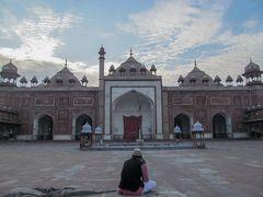 アグラ・タージマハルと夕暮れのモスク