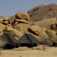 ★ナミビア+南アフリカ車旅(9)ダマラランドから首都ヴィントフックへ