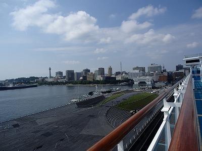 ダイヤモンドプリンセス<br />夏の日本海クルーズと広島・韓国 [9日間] <br /><br />2018年7月19日(木)  クルーズ下船の日<br /><br />横浜に帰ってきてしまいました<br /><br /><br />-------- 旅程  cruise itinerary ----------------------- <br /><br />① 2018年7月11日(水)横浜(日本) <br />② 2018年7月12日(木)クルージング <br />③ 2018年7月13日(金)広島(日本) 07:00 20:00 <br />④ 2018年7月14日(土)関門海峡/ 釜山(韓国) 14:30 20:30  <br />⑤ 2018年7月15日(日)境港(日本) 10:00 20:00 <br />⑥ 2018年7月16日(月)金沢(日本) 07:00 18:00 <br />⑦ 2018年7月17日(火)酒田(日本) 07:00 16:00 <br />⑧ 2018年7月18日(水)クルージング <br /><br />⑨ 2018年7月19日(木)横浜(日本) 午前下船 ★<br /><br />------------------------------------------------------------------<br />(2019-3-22 UP)