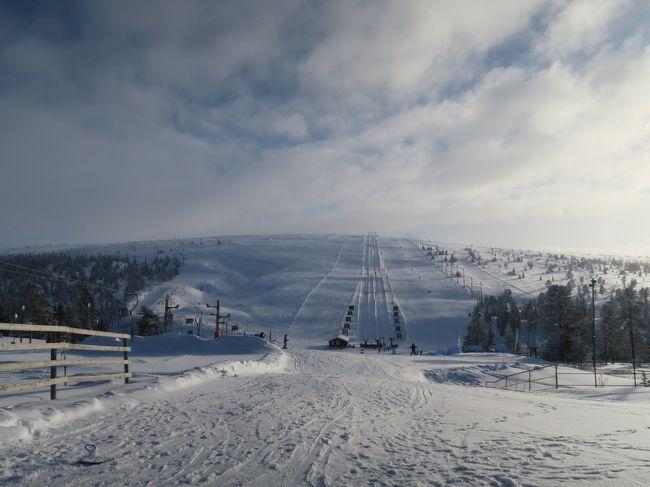 海外ぼっちスキー2018/2019シーズンの第2弾は北欧に行ってきました。<br /><br />今回はスキー日程では2か所目で、スウェーデンのサレンスキーエリアにあるハーグフィレットスキー場。<br />(リンダバランと接続していますが別レポです。)<br /><br />とても小さなスキー場で、強風、ガスの中での滑走でしたので、イマイチでしたが雪だけはとても良かったですね!<br /><br />■旅程<br />Day1-2   3/2(土)名古屋→羽田→ヒースロー→オスロ(ANA/スカンジナビア航空)<br />Day3     3/3(日)オスロ・ガーデェモン観光+移動<br />Day4     3/4(月)トリシルスキー場<br />Day5     3/5(火)トリシルスキー場+移動(スウェーデンへ)<br />Day6     3/6(水)サレン・ハーグフィレット、リンダヴァランスキー場<br />Day7     3/7(木)サレン・フンドフィレット、タンドゥドーランスキー場+移動(ノルウェーへ)<br />Day8     3/8(金)ハーフィエル(リレハンメル)でスキー+移動 オスロ→コペンハーゲン(スカンジナビア航空)<br />Day9     3/9(土)コペンハーゲン観光+移動 コペンハーゲン→ミュンヘン→羽田(スカンジナビア航空、ANA)<br />Day10    3/10(日)移動 羽田→名古屋(ANA)<br /><br />海外スキーのレポートページがあります。<br />読んでいただければ幸いです。<br />http://soleil1969.com/ski/skitop.html<br />http://soleil1969.com/ski/19nosw/19_salen_002.html<br />