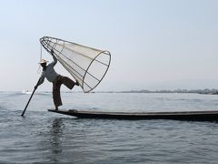 ミャンマー 8       インレー へ  湖を 渡る波風 (IN霊個)