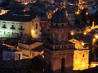 Lunga vacanza(シチリア・カラブリア・カンパーニア)ラグーザ[2]イブラの夜景