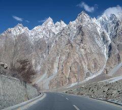 団塊夫婦の2019年花のフンザ絶景の旅ー(3)上フンザを経て中国国境のクンジュラブ峠へ