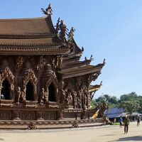 なんじゃ~こりゃぁ!?、タイのサグラダ..いやモンサン..か、その名もThe Sanctuary of Truth(パタヤ/タイランド)#2