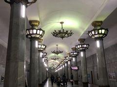 ウズベキスタンをひとまわり、タシケントのメトロ構内は、どこもワクワクの美しさでした!