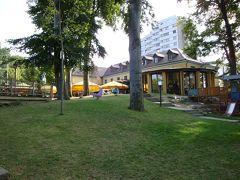 """ノイ・ウルムのミニ醸造所""""Barfüßer(裸足の修道士)""""のホテルに泊まり、ビアガルテンでぐびぐび"""