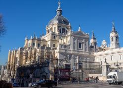 '18-'19 スペイン14 : 最終日のマドリード。マヨール広場からアルムデナ大聖堂へ