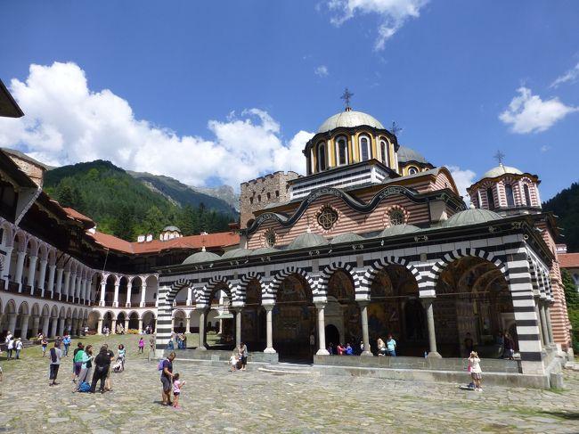 2018年の夏休みは、ほぼ初めての海外1人旅。東欧で行っていなかったルーマニア、ブルガリアとモルドバに行ってみました。<br />7日目はソフィアから日帰りで世界遺産のリラの僧院へ。<br /><br /> 8/17 羽田→ドーハ→ブカレスト→キシナウ<br /> 8/18 キシナウ→ティラスポリ→キシナウ→<br /> 8/19 →ブカレスト→ブラショフ<br /> 8/20 ブラショフ→シナイア→ブラショフ<br /> 8/21 ブラショフ→ブカレスト→サニービーチ<br />★8/22 サニービーチ→ネセバル→ブルガス→カザンラク→ソフィア<br />★8/23 ソフィア→リラ→ソフィア<br /> 8/24 ソフィア→<br /> 8/25 →ドーハ→羽田