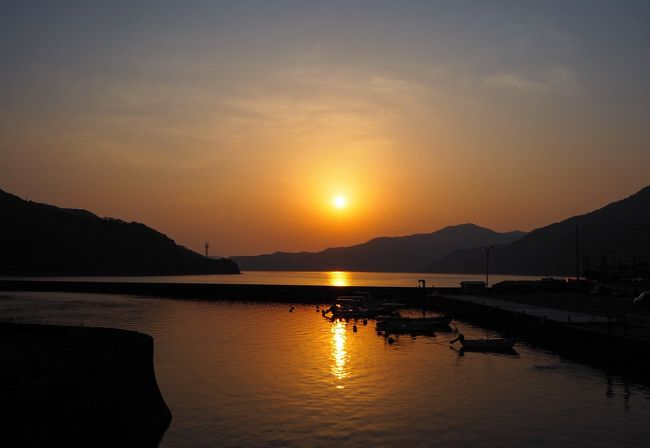 昨年に続き、奄美に上陸。本当は二日目に加計呂麻島にアタックしたかったのですが、たくさんのビーチを余裕もって周る事を優先し、二日目は名瀬から宇検村までのんびりドライブすることにしました。
