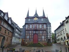 2013年秋のドイツ5:ザワーラント・フランケンベルク(エーダー)の市庁舎には独特の10の塔がある。