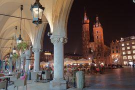 紅葉で黄金に輝く秋のポーランド堪能旅行 【13】クラクフ旧市街 夜の街歩き