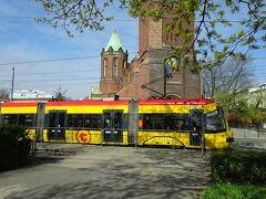 東欧鉄道の旅 その9(ポーランド、トラムと電車でワルシャワの街)