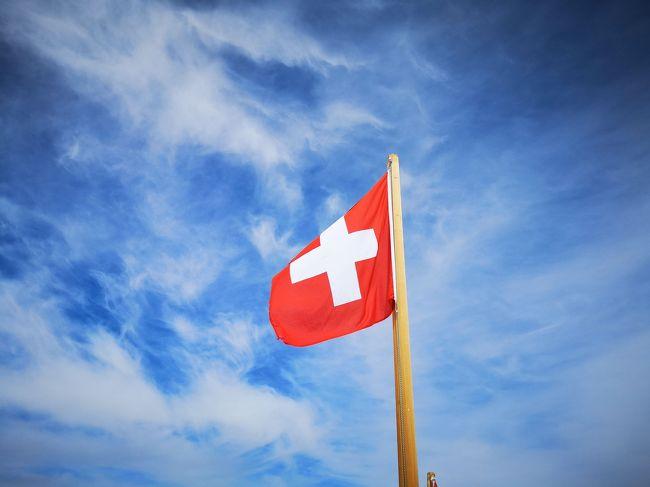 【ス】の付く国にいきたいから始まってスイスに決定<br />マイエンフェルト→グリンデルワルト→チューリッヒに宿泊<br />グリンデルワルトでは天気次第で行き先決めよう<br />天気予報よくないけど、満喫するぞヽ(=´▽`=)ノ
