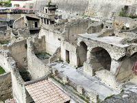 ANA特典マイルで行くシチリア旅行 �ポンペイとナポリ観光、フェリーでパレルモへ