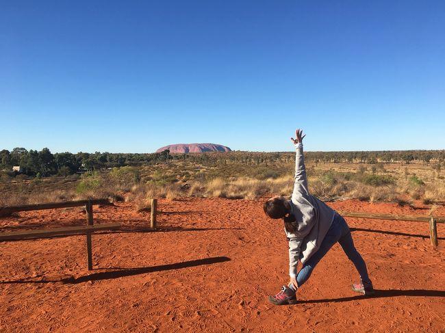 オーストラリア旅行記②はエアーズロック編です。<br />シドニー →エアーズロックはVirgin Audtraliaの直行便、2.5万円でした。<br />強風のためエアーズロックには登れませんでしたが、写真とは迫力が全く違い、見るだけでも大満足でした。これでハエさえいなければ・・<br /><br />*****<br /><br />2019年のGWにアラフォーの女子二人でオーストラリアに行ってきました。<br /><br />4/30  成田→シドニー <br />5/2  シドニー→エアーズロック <br />5/4  エアーズロック→メルボルン <br />5/6  メルボルン→成田