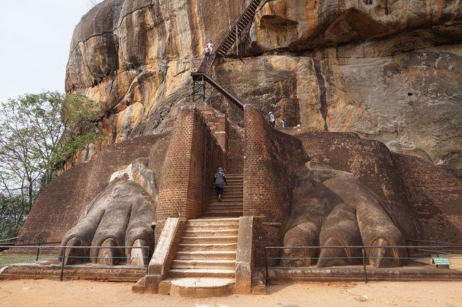 スリランカ旅行記の続きです。<br />いよいよ今回のメイン観光地シーギリアロックからスタートです。<br /><br />旅程<br />4/28 移動日 関空ーバンコクースリランカ(バンダ-ラナ-ヤカ国際空港)-ネゴンボ泊<br /><br />4/29 ネゴンボ ータンブッラ石窟寺院ーミンネリア国立公園サファリ      シーギリヤ 泊<br /><br />4/30 ポロンナルワ観光ーアーユルベーダ体験 シーギリア泊<br /><br />★5/1 シーギリアロックーキャンディ(仏歯寺等観光) キャンディ泊<br /><br />★5/2 キャンディー茶畑観光、アフタヌーンティー ネワラエリア泊<br /><br />5/3 ヌワラエリアー電車移動ーエッラ(ナインアーチブリッジ、ラワナ滝)ゴール泊<br /><br />5/4 ゴール市内観光ーコロンボ観光 コロンボ泊 <br /><br />5/5 スリランカ(バンダ-ラナ-ヤカ国際空港)-バンコクー関空