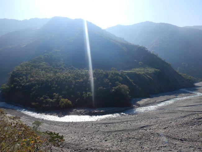 どーも、ひかのすけです<br />今回は、一気に南下して台湾最南端の屏東県へやってきた。目的は屏東小琉球と宝来温泉を目指すこと!!<br />客運とローカルバス,火車,レンタルバイクを駆使して旅した3泊4日<br />感動あり、出会いありの楽しい行き当たりばったり旅へ<br />3日目は何があるのかLet&#39;s Go!!<br />