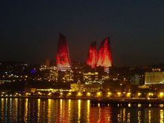 欧・亜・中東ここはいずこ?アゼルバイジャン・ジョージア・アルメニア・アルツァフ旅行【7】(2018年秋 2日目⑥ 彩鮮やか、光り輝く炎の塔)